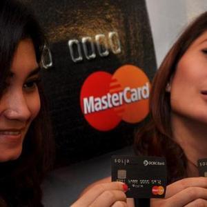 Cerdas Memakai Kartu Kredit dan Konsekuen dengan Resiko yang Diberikan