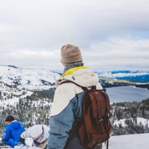 Tips Traveling Ke Kawasan Wisata Yang Bersuhu Dingin