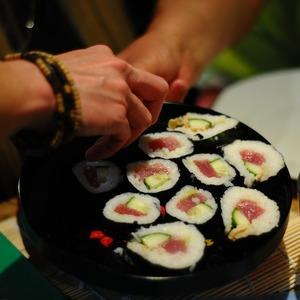Tata Cara Makan Sushi Yang Benar Menurut Orang Jepang Di Luar Negeri