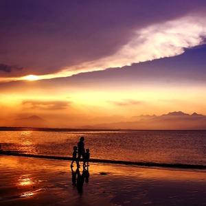Tips Memilih Busana Pantai Untuk Berlibur Bagi Hijaber