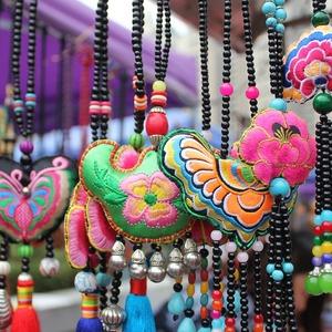 Tempat Belanja Oleh - Oleh Khas Lombok