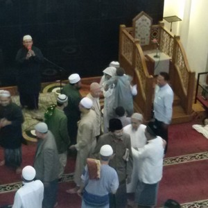 Areal Shalat Id Diguyur Hujan Lebat, Warga Muslim Perumnas Padati Masjid Baitul Makmur