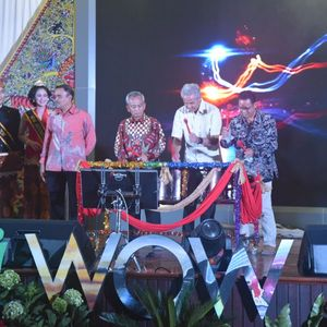 Ganjar Pranowo Resmikan Peluncuran Program Jateng Wow