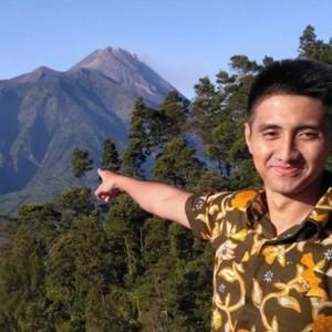 Ajudan Ganjar Pranowo Menjai Idola Para Kaum Hawa