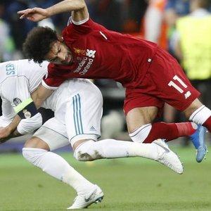 Insiden Sergio Ramos-Mohamed Salah, Siapa Yang Bersalah?