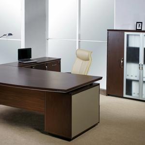 Ingin Membeli Meja Kantor, Hal Ini yang Perlu Kamu Perhatikan !!!