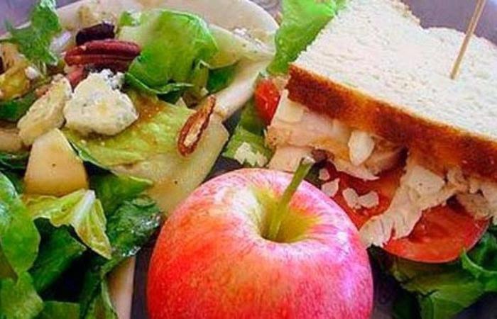 Buat Kamu Yang Sedang Diet Simak Jenis Makanan Diet Rendah Kalori Ini