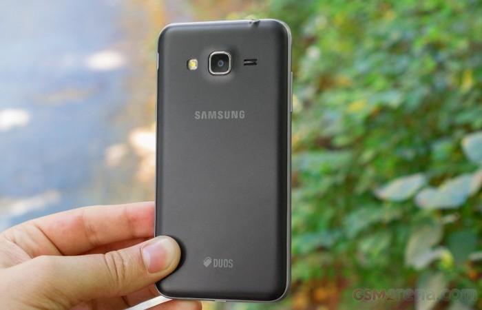 Samung Galaxy J3 ( 2016) sederhana tapi tidak mengecewakan