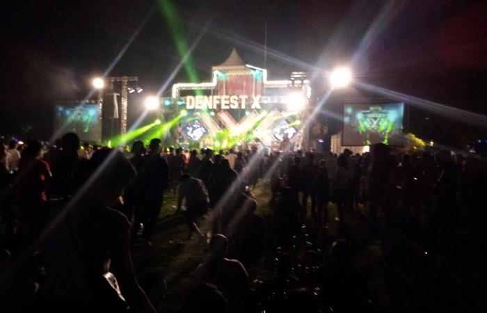 Jelang Tutup Tahun 2017, Warga Kota Denpasar Padati Kawasan Denfest X