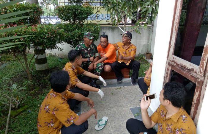 Akibat Overdosis Seorang Pemuda Dilarikan Anggota TNI