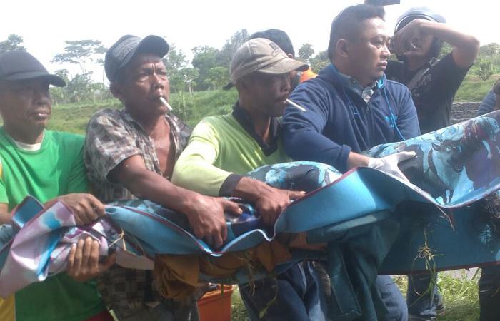 Warga Pehkulon Kediri digegerkan sosok mayat perempuan tua
