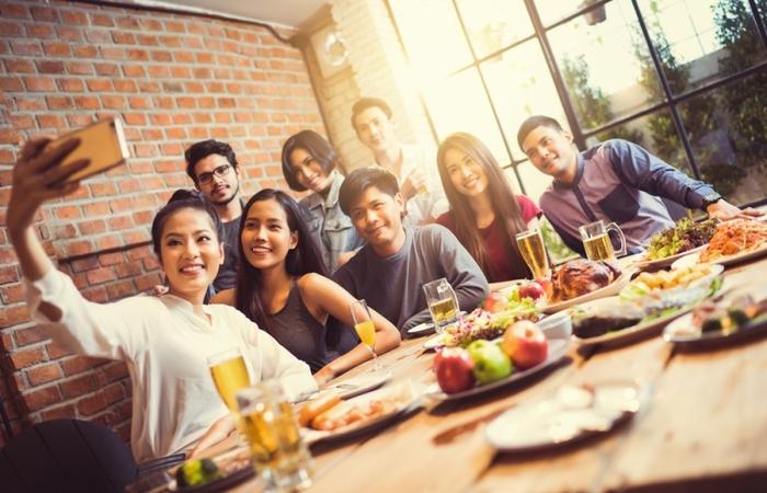 Trik Makan Mewah Tak Bikin Kantong Bolong