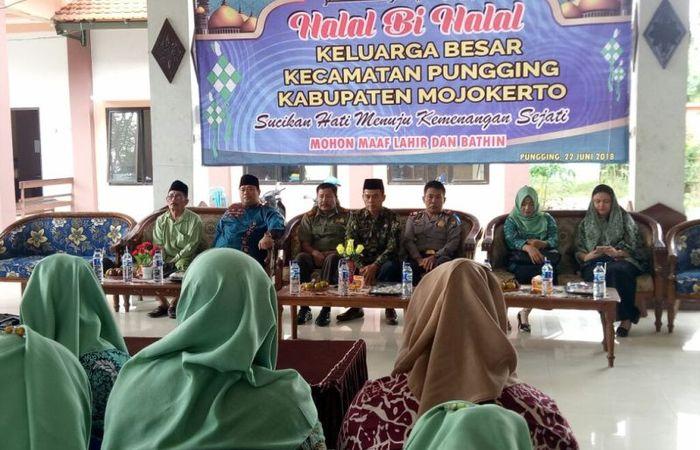 Danramil 0815/11 Bersama Forpimka Pungging Dan Tokoh Gelar Halal Bihalal