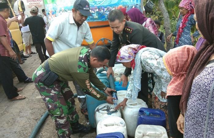 Kodim 0815 Mojokerto Gandeng MBI Salurkan Bantuan Air Bersih