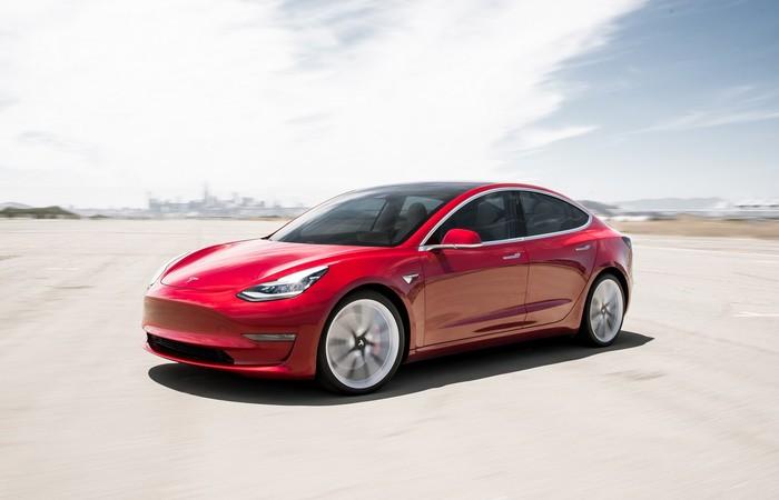 Tesla Rugi Lebih Dari $700 Juta di Kuartal ke-2