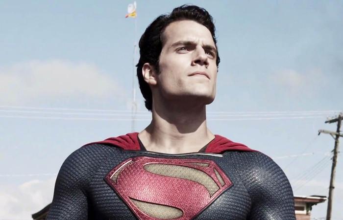 Henry Cavill Berhenti Perankan Superman?