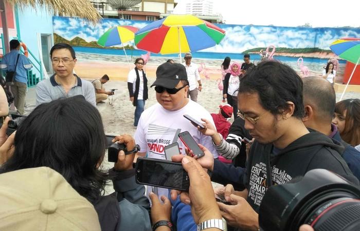 Wow! di Kota Bandung Ada Pantai Pasir Putih