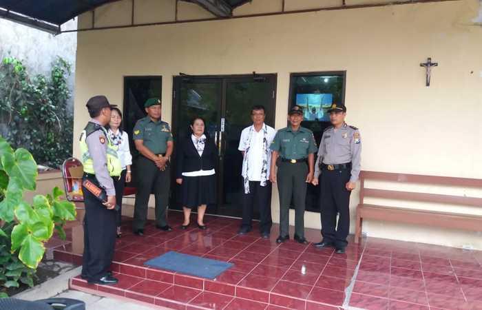 Koramil 0815/13 Bersama Polsek Kutorejo Amankan Kebaktian Di GPDI