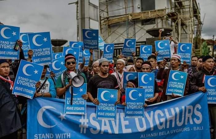 Prihatin  Tindak Kekerasan Etnis Muslim Uyghur, Ratusan Masyarakat Bali Protes di Konjen Tiongkok
