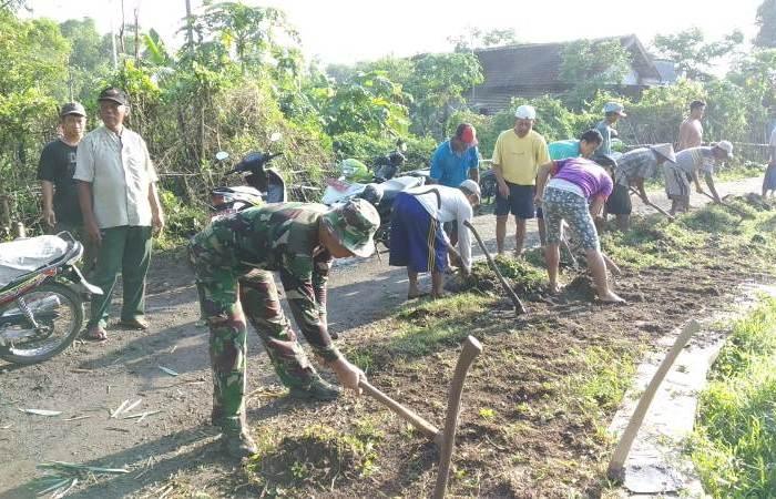 Peduli Wilayah Binaan, Koramil 0815/11 Pungging Lakukan Ini