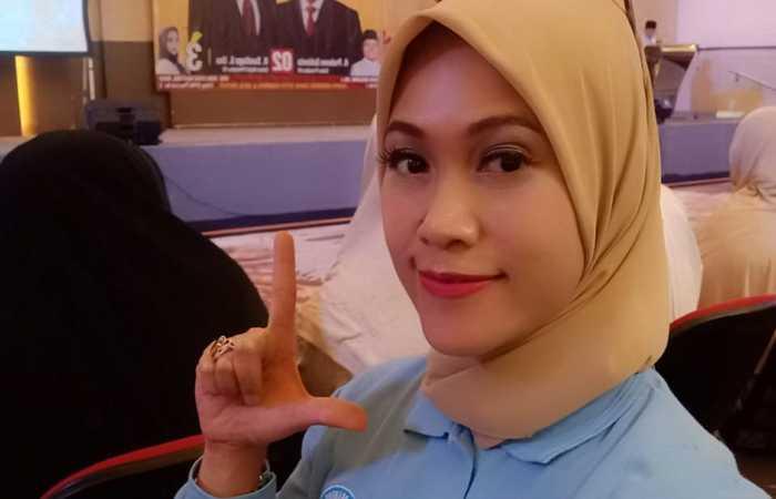 Ayu Alina Irawati, SE. MM Dengan Komunitas Sahabat Prabowo Sandi  Bandung Berkampanye Sejuk  Dan Damai