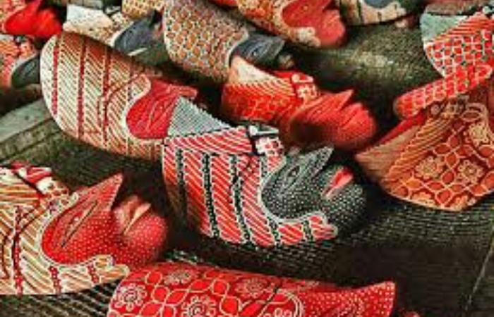 Mengintip Proses Pembuatan Batik kayu Krebet