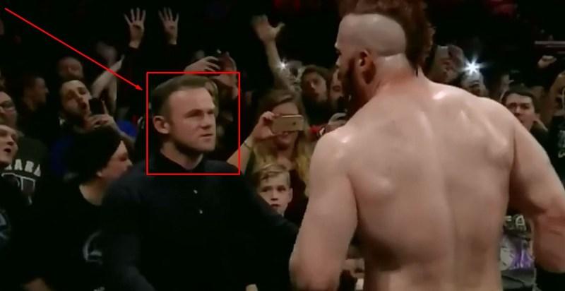 Hebat! Wayne Rooney Tampar Pegulat WWE Sampai Tersungkur