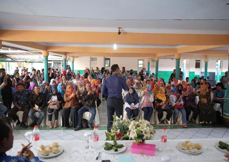 Serap Aspirasi Guru Honorer, AHY : Kami Berjuang seperti yang Diperjuangkan Pak SBY Dulu