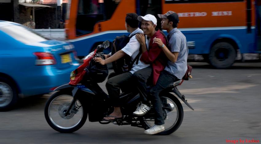 Hukum Lalu Lintas Di Indonesia