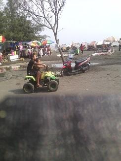 Ngebom, Pantai Pasir Hitam di Pesisir Utara Jawa