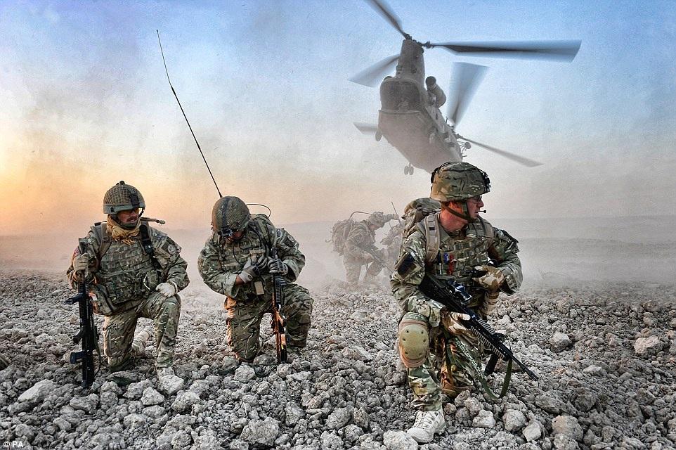 Sisi Lain Kengerian Perang, Foto Terbaik dari Army Photographic Competition