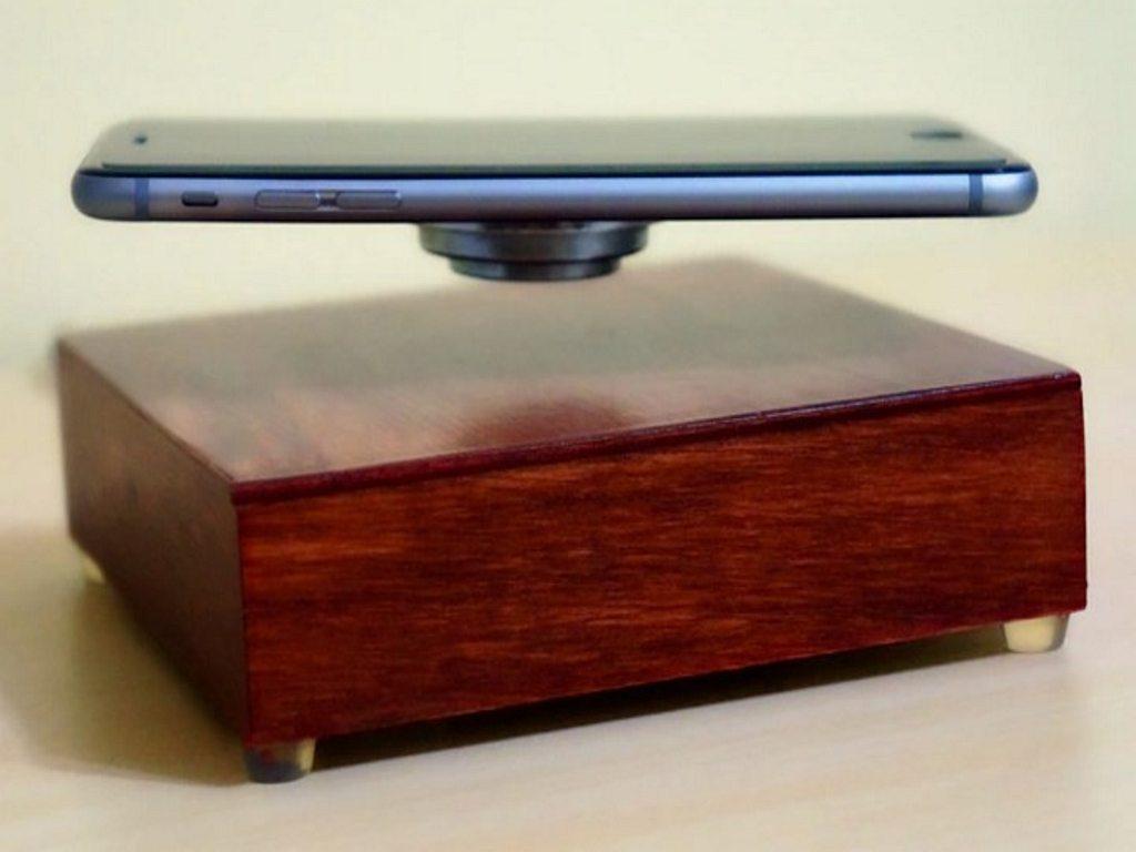 Keren! Benda Ini Bisa Bikin Ponsel Maupun Tablet Kamu Terbang!